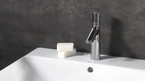 Basin mixer 100 with pop-up waste set