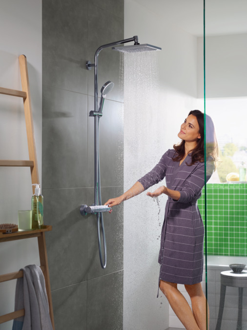 hansgrohe showerpipes crometta e 1 straalsoort 27271000. Black Bedroom Furniture Sets. Home Design Ideas