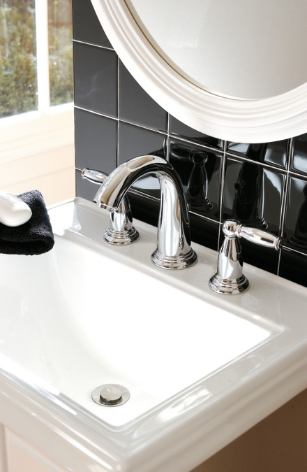Swing C Washbasin Faucets Chrome 06117000